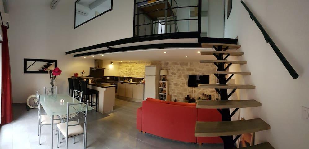 Maison, idéal visite centre, terrasse, clim, wifi!