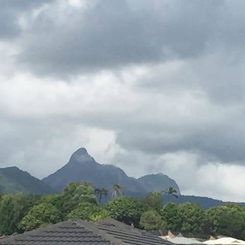 Sit enjoy morning coffee/breakfast and see the view of Mount Warning from our outdoor area