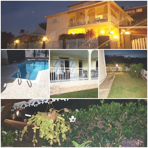 Villa Bois Rose 8per:Guadeloupe plage et montagne
