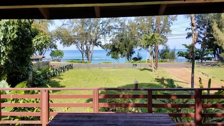 North Shore 2 Bedroom Cabin with ocean view