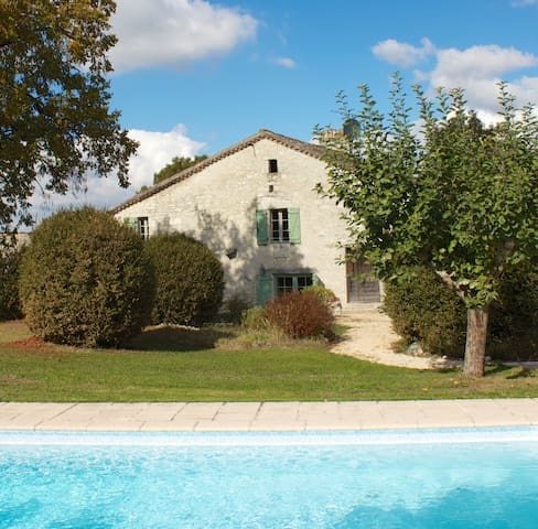 The French Farmhouse in Quercy - Montaigu-de-Quercy - Huis