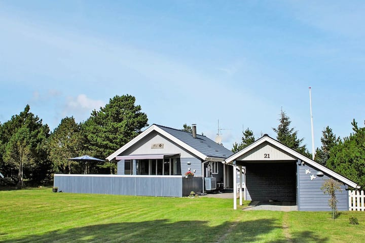 Gorgeous Holiday Home in Blavand with Terrace