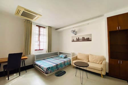 Clean and comfortable room in D7, opposite RMIT