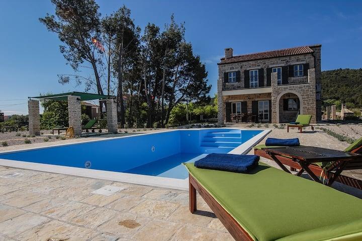 Villa Papini Dvori, Croatia Luxury Rent