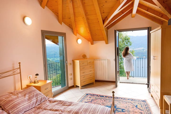 Dolce Vita with pool and lake view - Lortallo - Apartment