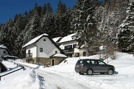 ROGLA NUNE - Resnik - Apartment