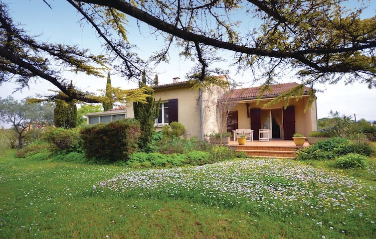 Holiday cottage with 2 bedrooms on 135 m² in Violes