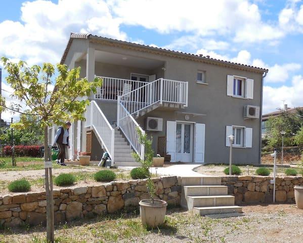 Gîte spacieux Ardèche Sud avec piscine - Lablachère - Serviced apartment
