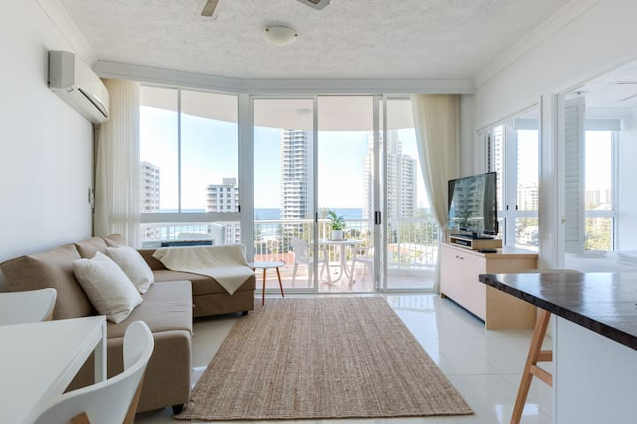 Top Floor, Ocean Views - Surfers Paradise - Byt