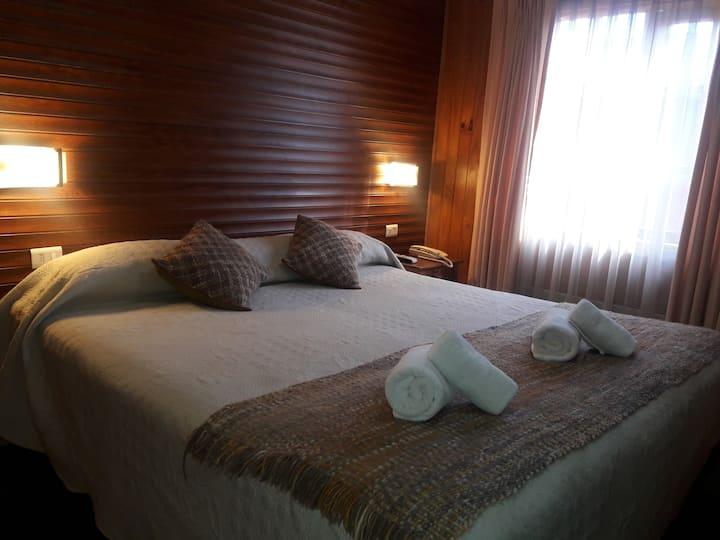 Hotel Casa Kolping Chiloé / Habitación Matrimonial