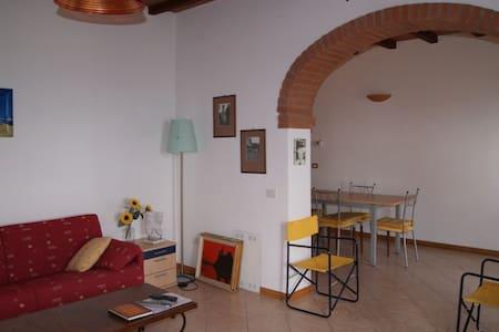Bright panoramic apartment Poggio - Giuncarico