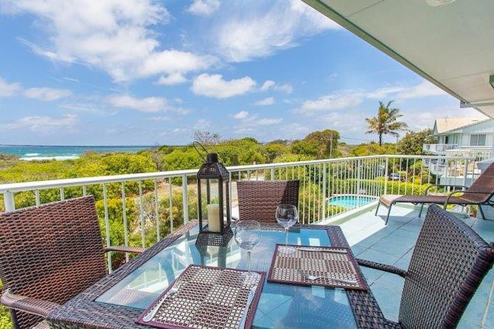 Home Away from Home with Sweeping Ocean Views