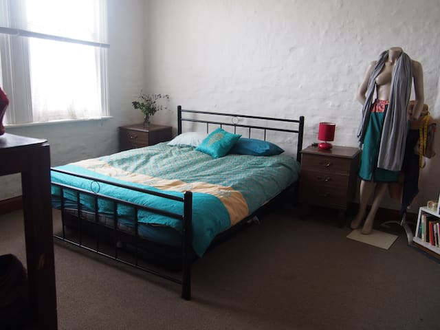 Cosy and convenient North Hobart double-room - North Hobart - Dom