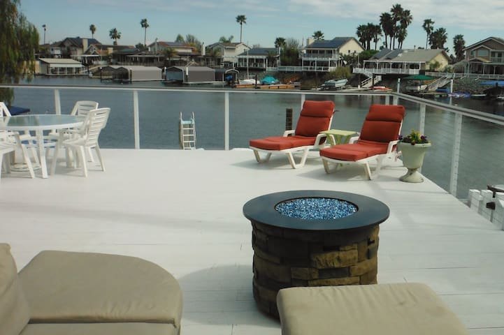 Discovery Bay Deep Water Home Mins. to Fast Water