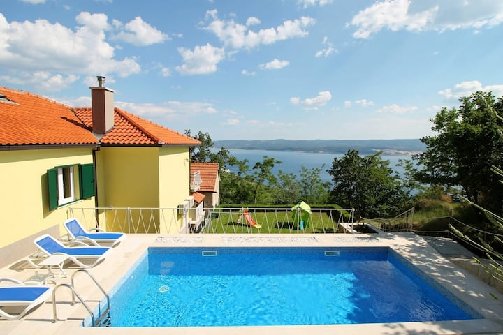 Villa Maruncela with sea and island views, 5 bedrooms, private pool, gym