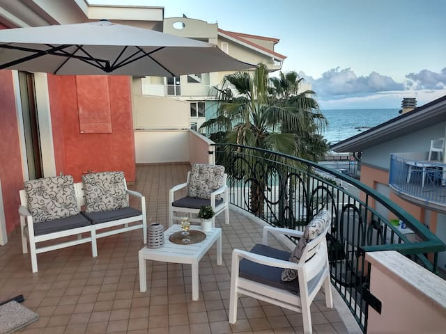 Brand new Seafront and Mountain View Penthouse