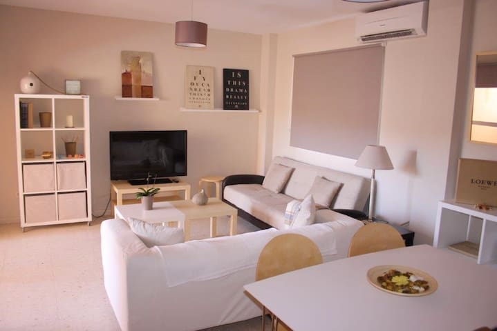 Fuengirola apartment: center + beach