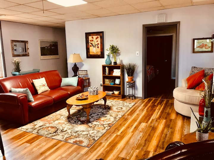 PRIVATE  historical 2BR Sunshine Oasis  OLD TOWN