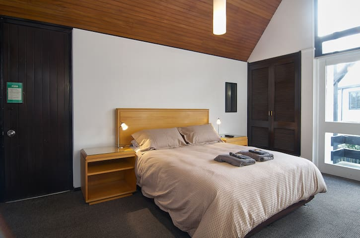 Upstairs Studio Unit On The Park - Christchurch - Wohnung