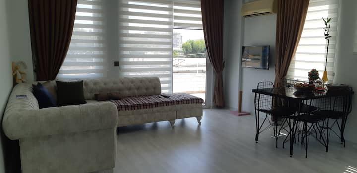 Уютная квартира, 1+1, в центре, пляж Клеопатра.