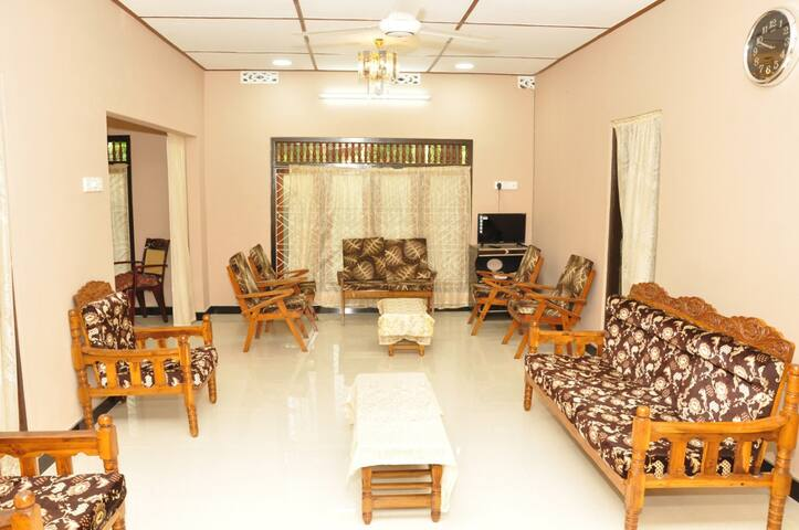 AMAZING VILLA near to JAFFNA TOWN and NALLURTemple