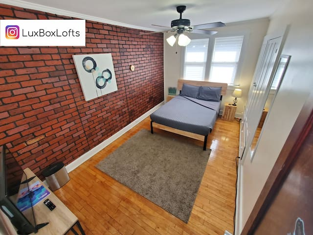 L22 The Cobblestone at LuxBox Lofts ★ Private Room