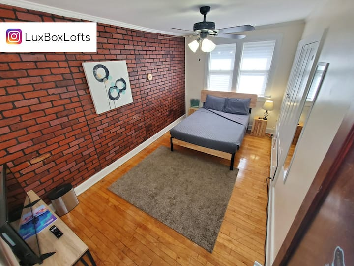 L22-Cobblestone at LX Loft 🗝 Private Keypad Room