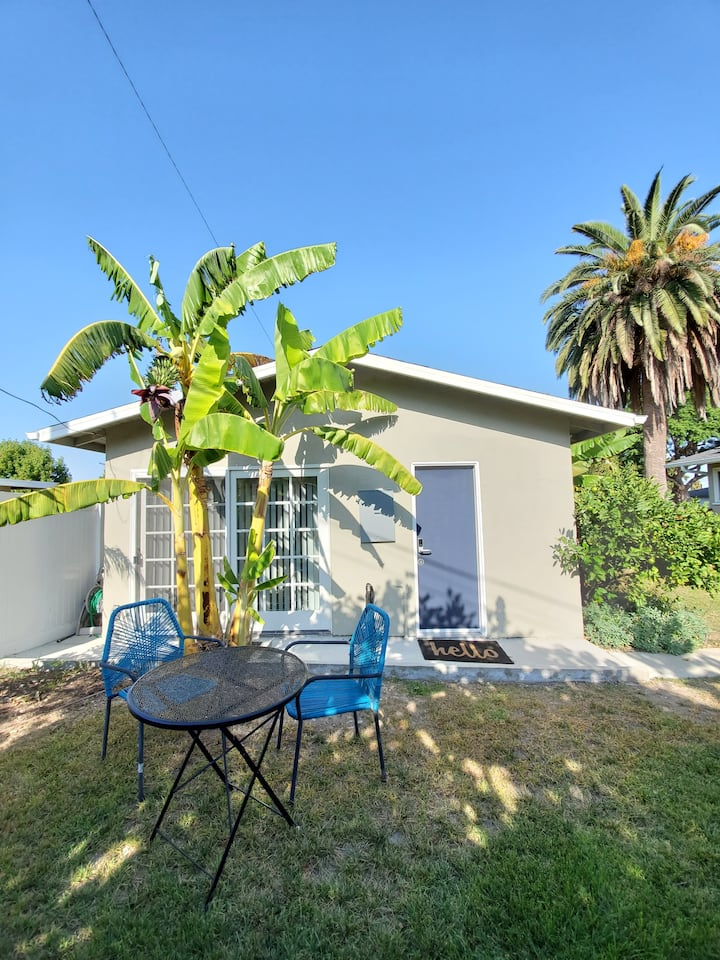 NEWLY BUILT Private Bungalow w/ free parking