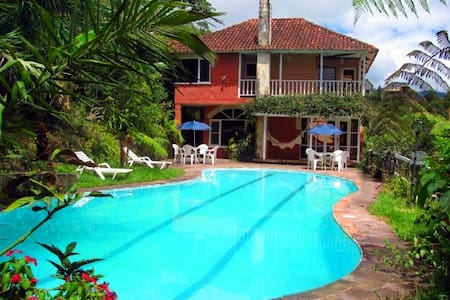 Casa-Hotel Villa Saracena una casa campestre unica