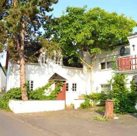 Schöne Wohnung am Rotweinwanderweg