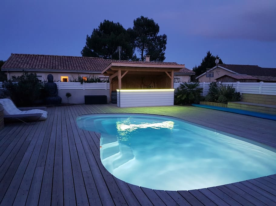 Maison avec patio piscine chauff e oc an a proxi for Piscine municipale st medard en jalles