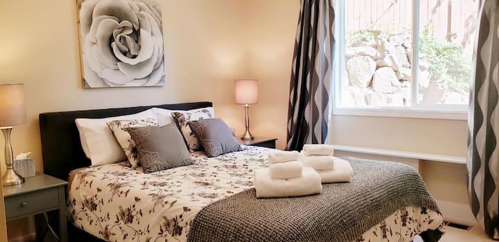 Private room in modern home nr Seattle &  Bellevue