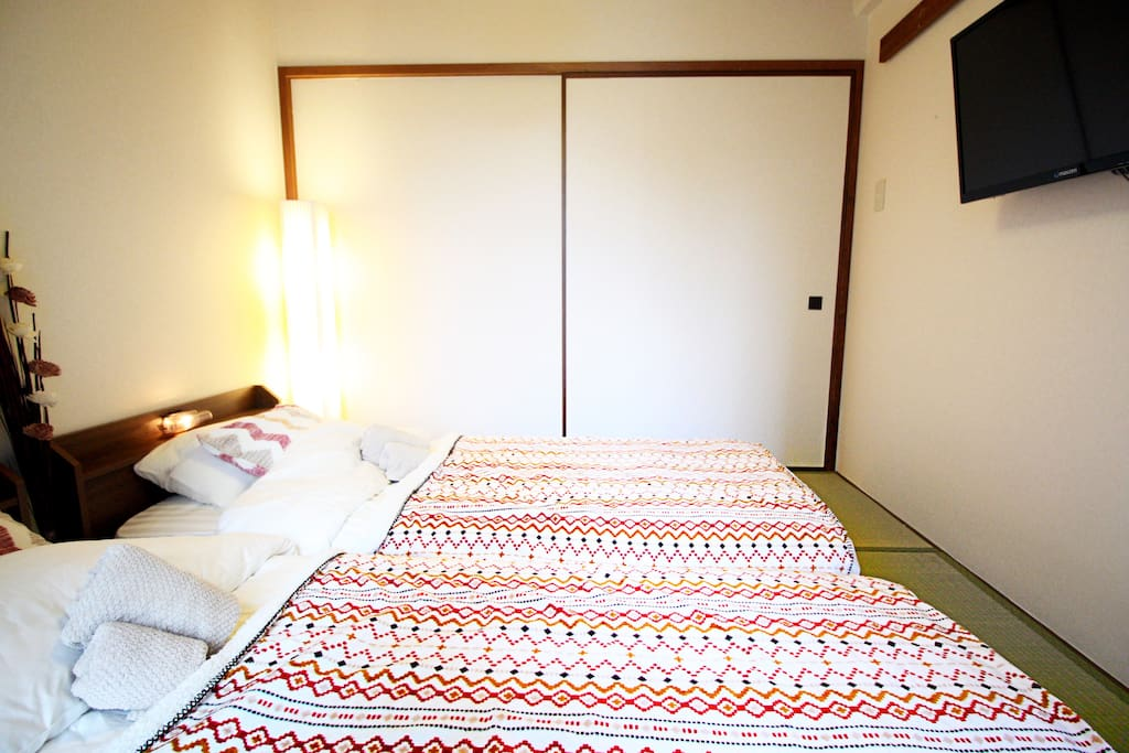 2 Single bed are located in a private room.