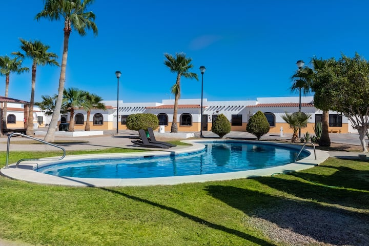 Mexican Ambience Townhome with Pool #2