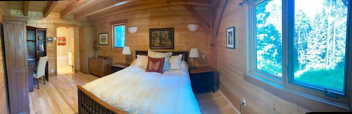Bragg Creek Queen En-Suite Room in the Forest