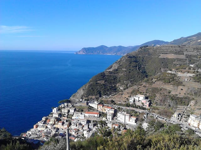 """MARE MONTI E...CINQUE TERRE"" CLOSE TO UNESCO SITE"