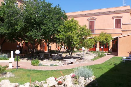 B&B Antica Villa, centro storico - Quartu Sant'Elena
