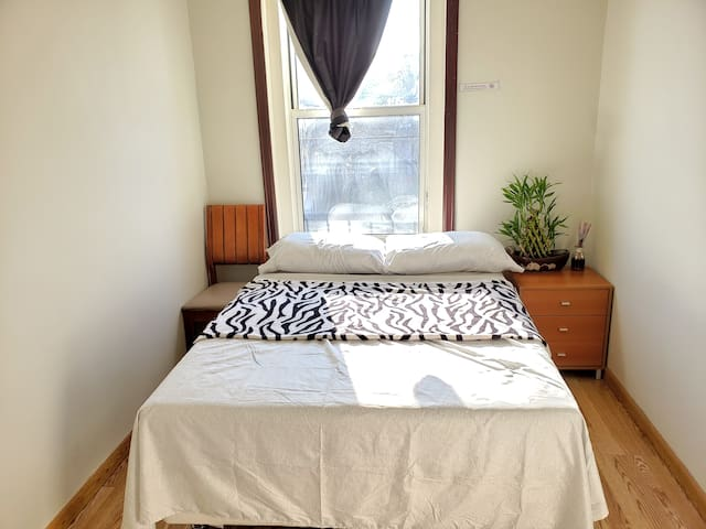 Bright Room with Full Bed