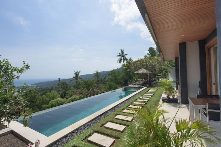 The Puncak,  Exclusive ocean view room 2 adults
