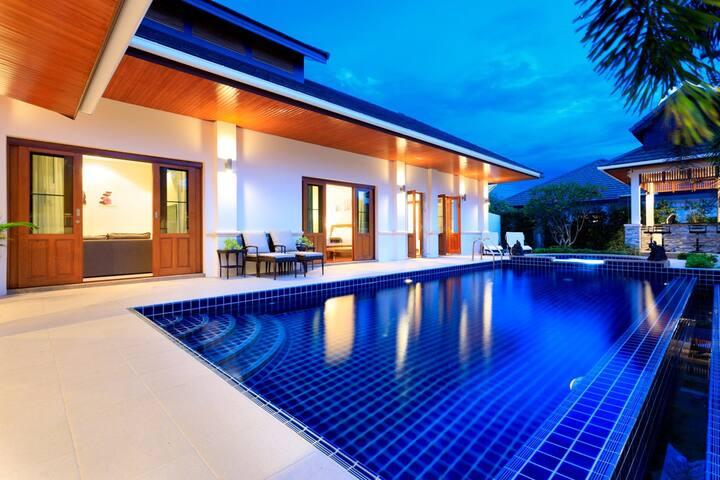 Hua Hin Luxury Bali Villa, private pool and BBQ