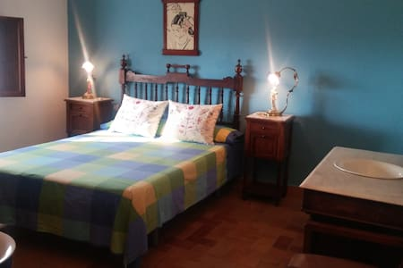 YECLA, CHARMING COTTAGE WITH PRIVATE SWIMMING-POOL - Yecla DO