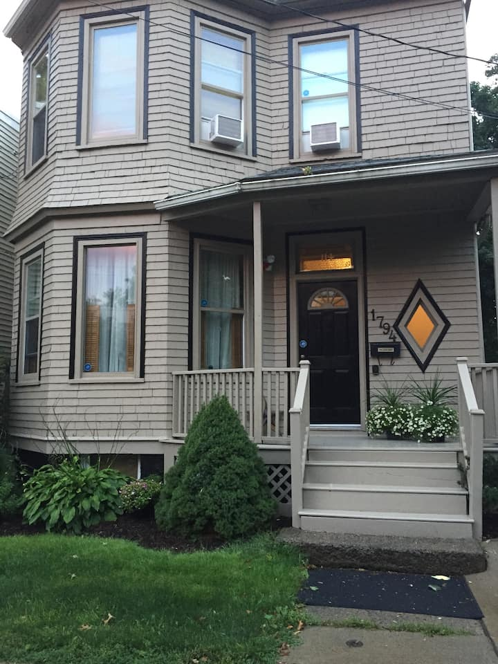 Beautiful Halifax Home, By Robie And Quinpool Rd 1