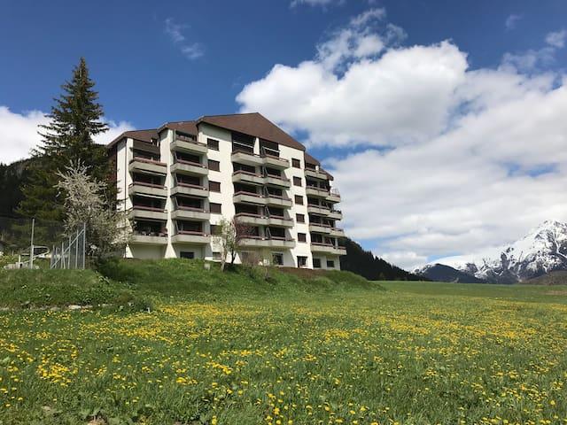 """Casa la Foppa """"Göggel"""" Parterre Via Alpsu 4 Sedrun"""
