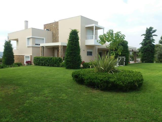 Villa Achilleos