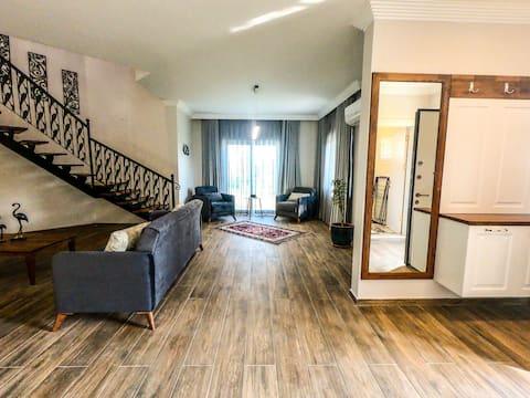 Extravagant Villa in Köyceğiz, Leylek, Ayaklı Göl