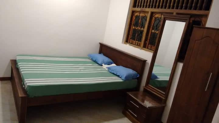 Charming room off Rajagiriya