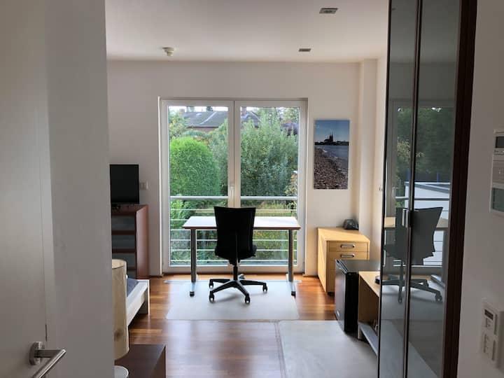 Modernes Studio im Kölner Westen