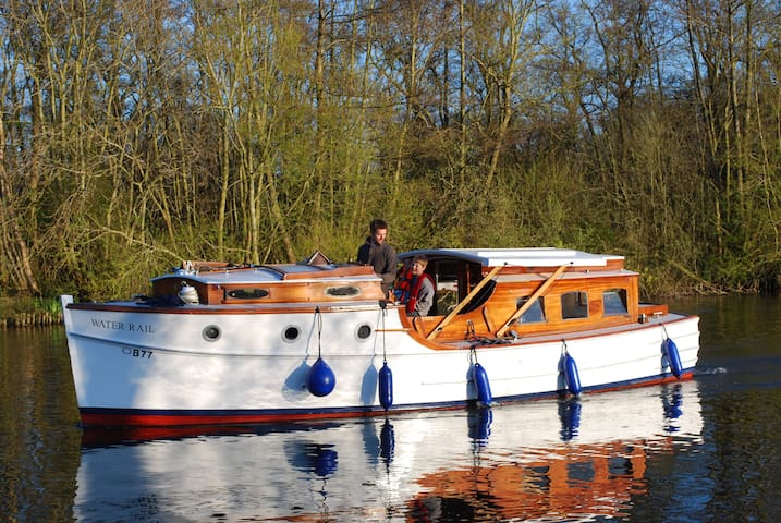 Lovely Vintage Boat - Water Rail - Hoveton