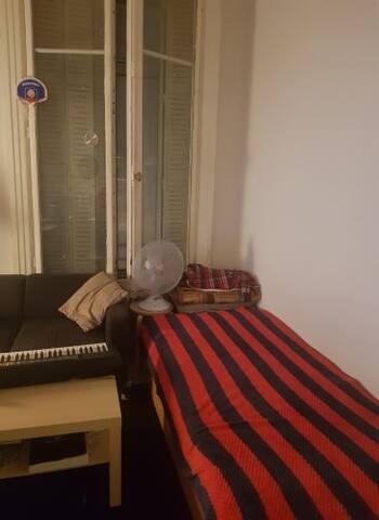 Chambre très bien placée pour jeune de passage