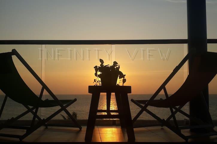 Absolute Beachfront, luxury 70m2 corner unit - Pattaya - Lägenhet